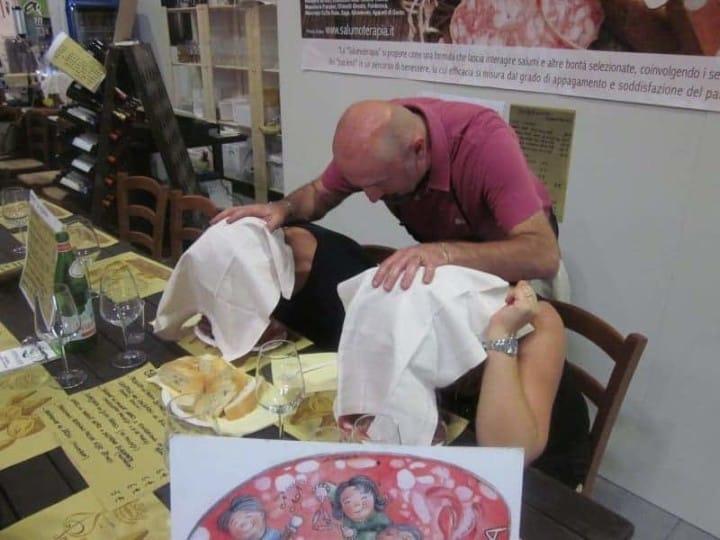Seduta di salumoterapia con Ivan Albertelli